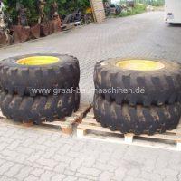 Reifen 14.5 x 20 ausgeschäumt