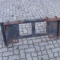 Müllcontaineraufnahme JCB/Bobcat Kompaktlader