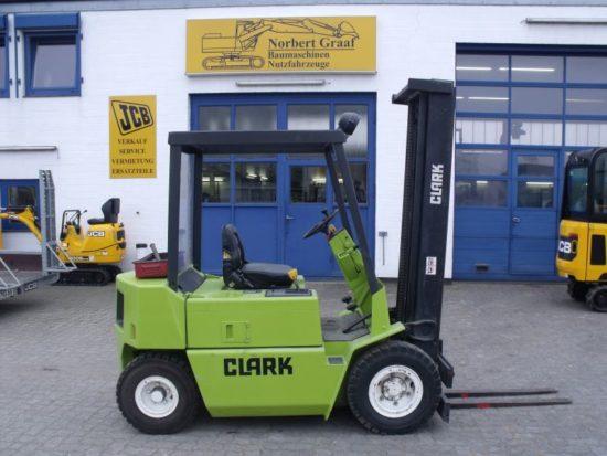 Gabelstapler Clark DPM 15