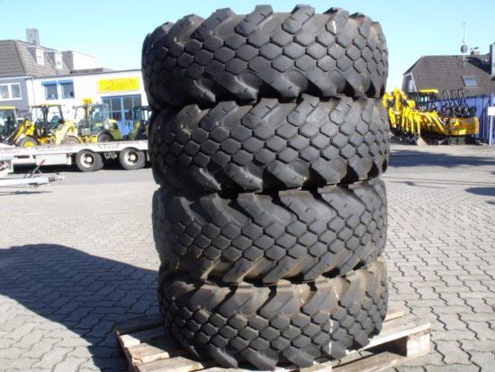 4 x Reifen Continental 12,5 - 20 E6 MPT 12 Lagen