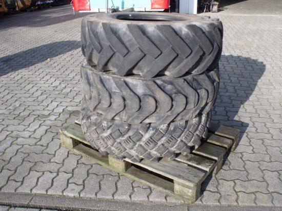 3x gebrauchte Reifen 12,5-18